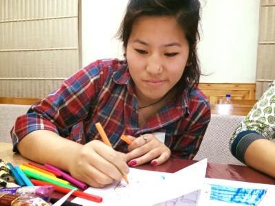 チベットの人々は、アートも得意で色使いもとても綺麗です。