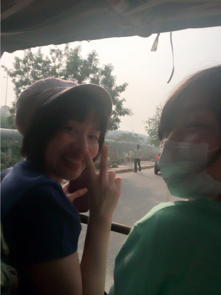On da Cycle rickshaw from Yamuna Bank metro station to Free Under Bridge smile絵文字 Akari×Na-chan
